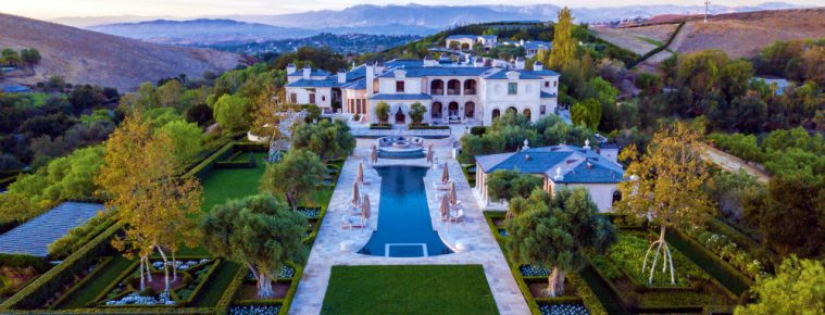 Thomas Tull's SoCal Luxury Real Estate Could be Yours for $85 Million - The Most Expensive Homes - luxury homes - Luxury Neighborhoods - Celebrity Homes 2018 ➤ Explore The Most Expensive Homes around the world on our website! #mostexpensive #mostexpensivehomes #themostexpensivehomes #luxuryrealestate #luxuryneighborhoods #celebrityhomes @expensivehomes