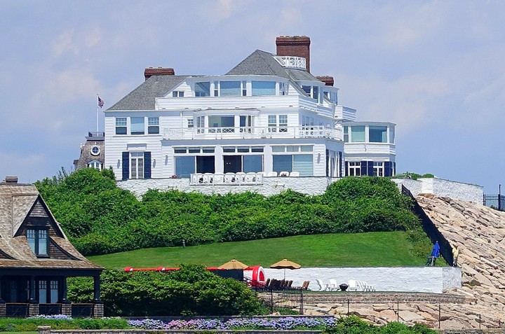 Meet 25 of the Most Expensive Homes Owned by Celebrities 19