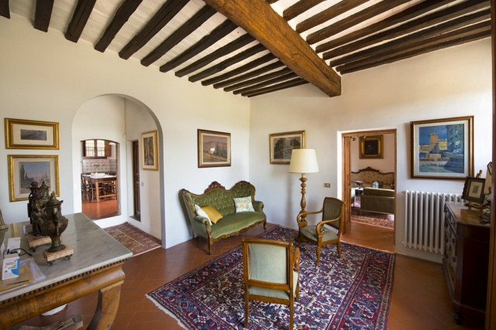 The Former Tuscan Villa of Michelangelo Has Hit the Market 3 Tuscan Villa The Former Tuscan Villa of Michelangelo Has Hit the Market The Former Tuscan Villa of Michelangelo Has Hit the Market 3