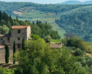 The Former Tuscan Villa of Michelangelo Has Hit the Market Tuscan Villa The Former Tuscan Villa of Michelangelo Has Hit the Market featured 1 371x300