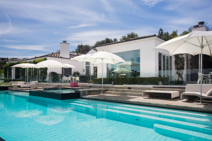beverly hills mansion For $29M One Can Have Gwen Stefani's Extravagant Beverly Hills Mansion For 29M One Can Have Gwen Stefanis Extravagant Beverly Hills Mansion 6