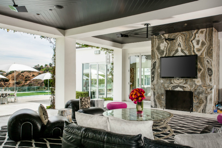 beverly hills mansion For $29M One Can Have Gwen Stefani's Extravagant Beverly Hills Mansion For 29M One Can Have Gwen Stefanis Extravagant Beverly Hills Mansion 7