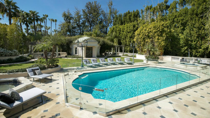 This Private and Gorgeous Bel Air Villa Is a Mediterranean Masterpiece (6)