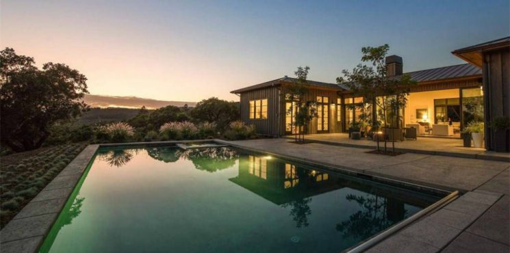 These Vineyard Homes Are an Absolute Paradise for Wine Lovers vineyard homes These Vineyard Homes Are an Absolute Paradise for Wine Lovers featured 8 745x370