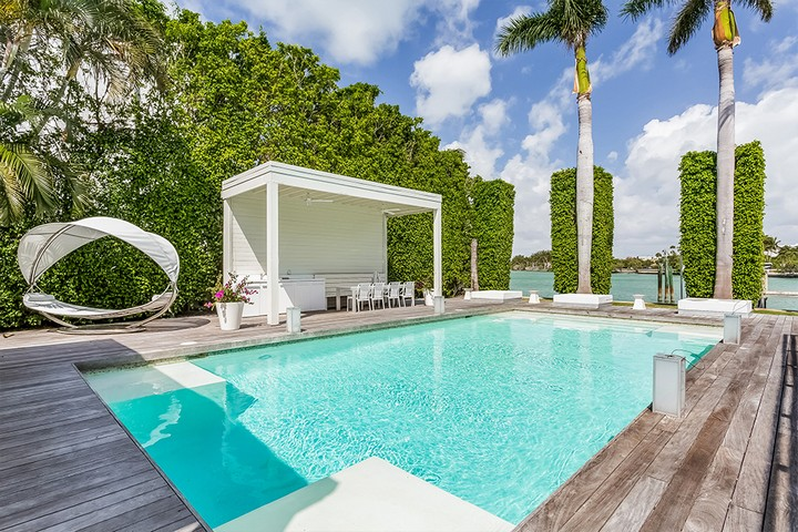 Celebrity Homes Shakira's Listed her Contemporary Miami Beach Mansion 11