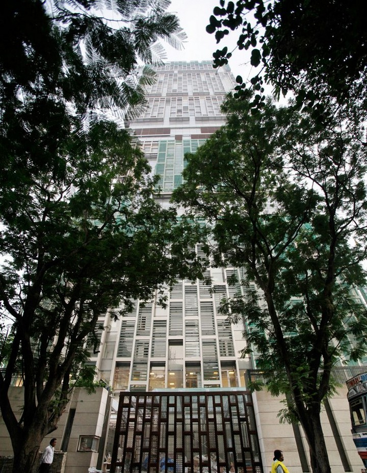 The Outrageous 27-Storey Antilia Is the Most Expensive Home in India most expensive home The Outrageous 27-Storey Antilia Is the Most Expensive Home in India The Outrageous 27 Storey Antilia Is the Most Valuable Home in India 31