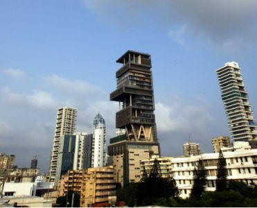 The Outrageous 27-Storey Antilia Is the Most Expensive Home in India most expensive home The Outrageous 27-Storey Antilia Is the Most Expensive Home in India featured 1 371x300