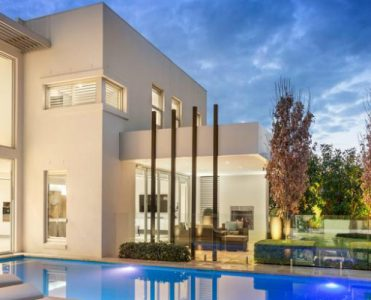 Classic Contemporary Melbourne Mansion Will Be Privately Up for Grabs