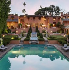 The Iconic and Glamorous Beverly House Has Hit the Market for $135M