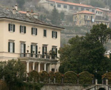 Villa Oleandra is The Clooneys' Amazing Summer Residence in Lake Como