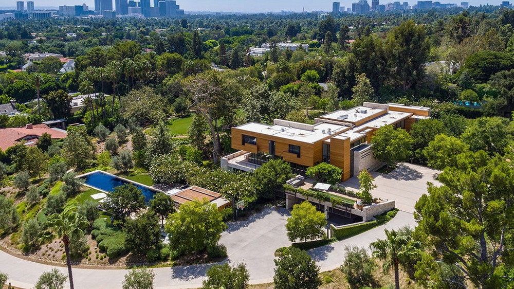 This $125 Million Los Angeles Luxury Real Estate Is Now Up for Grabs 1 Luxury Real Estate This $125 Million Los Angeles Luxury Real Estate Is Now Up for Grabs This 125 Million Los Angeles Luxury Real Estate Is Now Up for Grabs 1 1