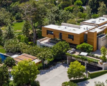 This $125 Million Los Angeles Luxury Real Estate Is Now Up for Grabs Luxury Real Estate This $125 Million Los Angeles Luxury Real Estate Is Now Up for Grabs featured 3 371x300