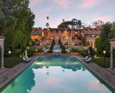 Discover The Beverly House, The 135 Million Dream House beverly house Discover The Beverly House, The 135 Million Dream House 1011BeverlyDr 04 371x300