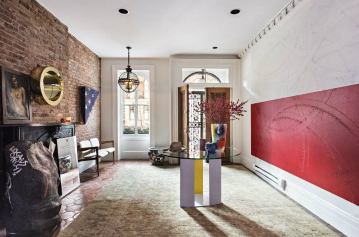Mary Kate Olsen's two townhouses hit the market for $16-million 2 Mary Kate Olsen Mary Kate Olsen's two townhouses hit the market for $16-million Mary Kate Olsen   s two townhouses hit the market for 16 million 4