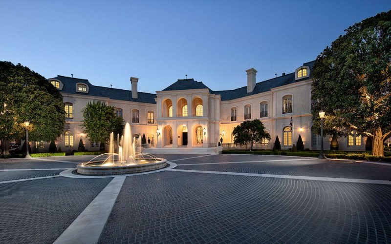 Check Out The Ostentatious Spelling Manor Mansion