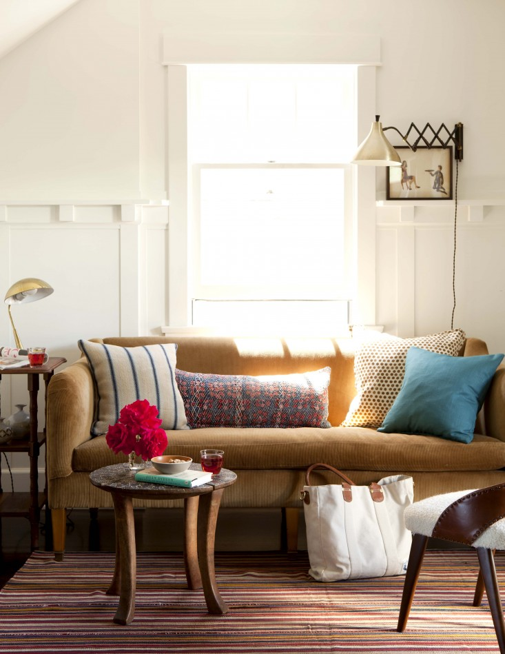 Discover The Most Incredible Top 20 Interior Designers From L.A. top 20 interior designers Discover The Most Incredible Top 20 Interior Designers From L.A. Venice Living Room Nickey Kehoe Remodelista