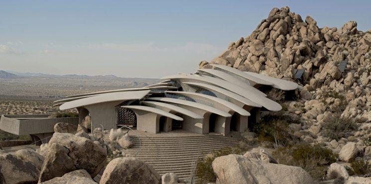 Home Tour: Organic Architecture In Joshua Tree