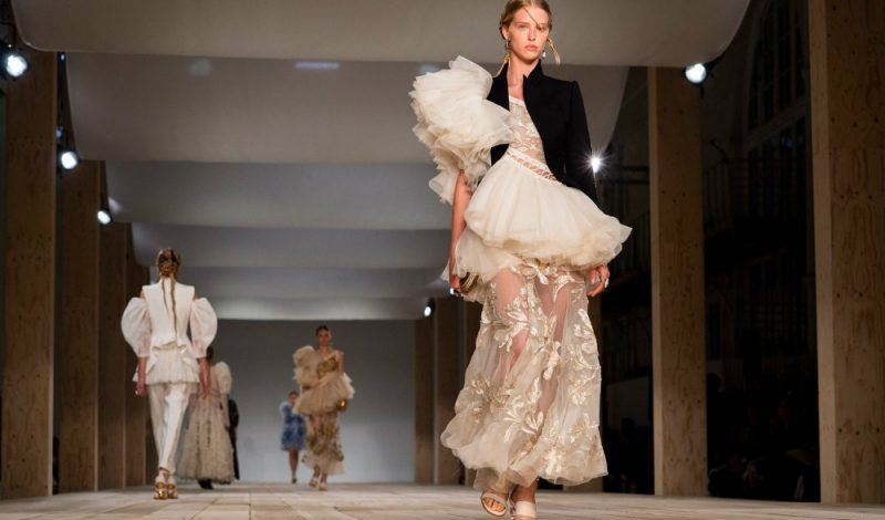 paris fashion week Paris Fashion Week: From Runway To Your Home Decor paris fashion week runway home decor 1 800x470