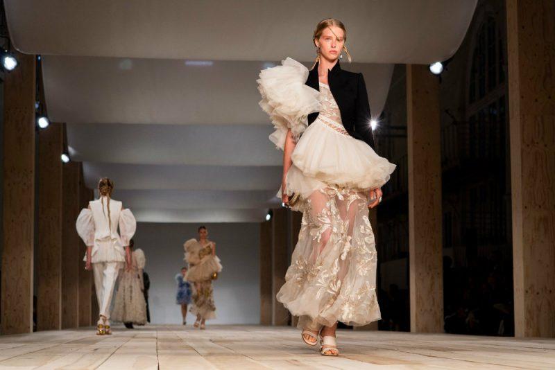 paris fashion week Paris Fashion Week: From Runway To Your Home Decor paris fashion week runway home decor 1