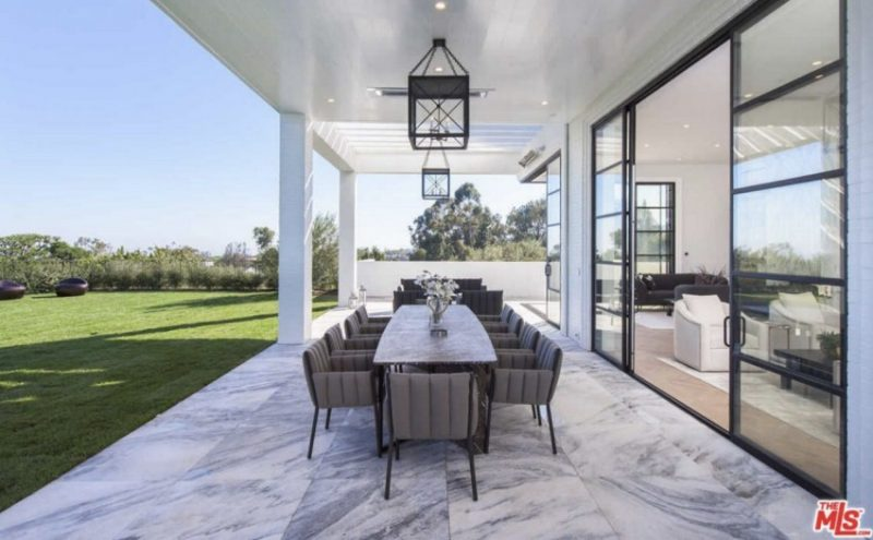 lebron james LeBron James Drops $23 Million On Los Angeles Mansion! LeBron James Drops 23 Million On Los Angeles Mansion13 e1602689023540